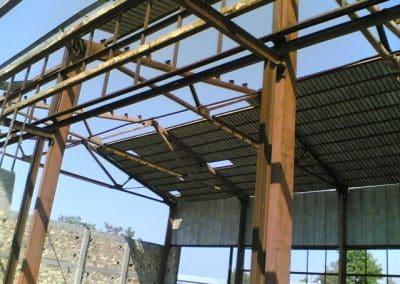 Разглобяване на метална конструкция на сграда